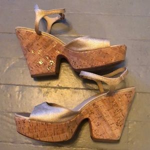 Gorgeous Kate Spade gold wedges
